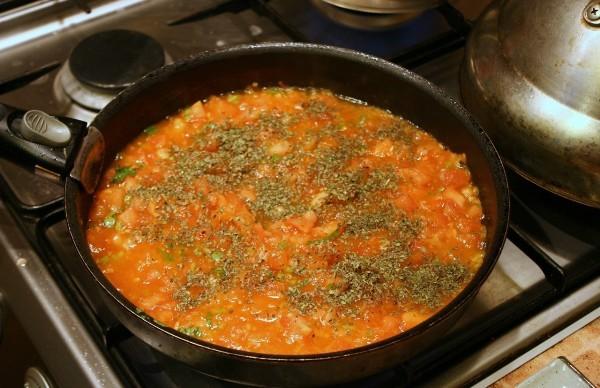 Как сделать вкусный томатный соус к макаронам