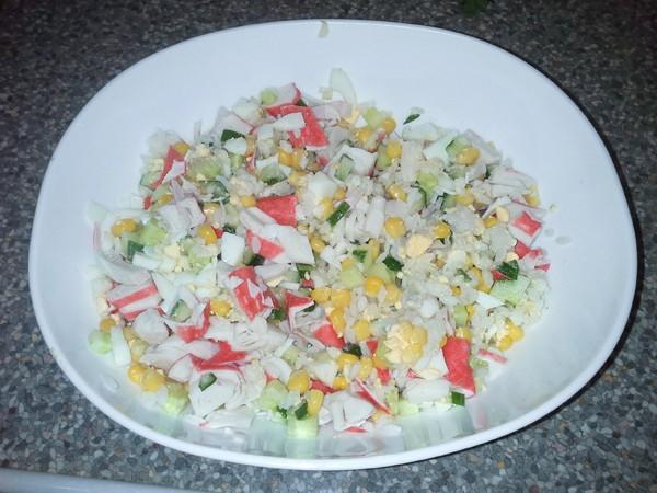 Рецепт салата с крабовыми палочками с